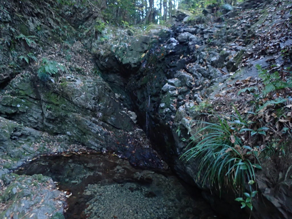 御主殿の滝